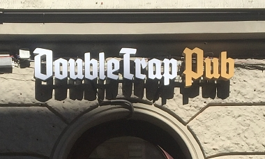 Double Trap Pub